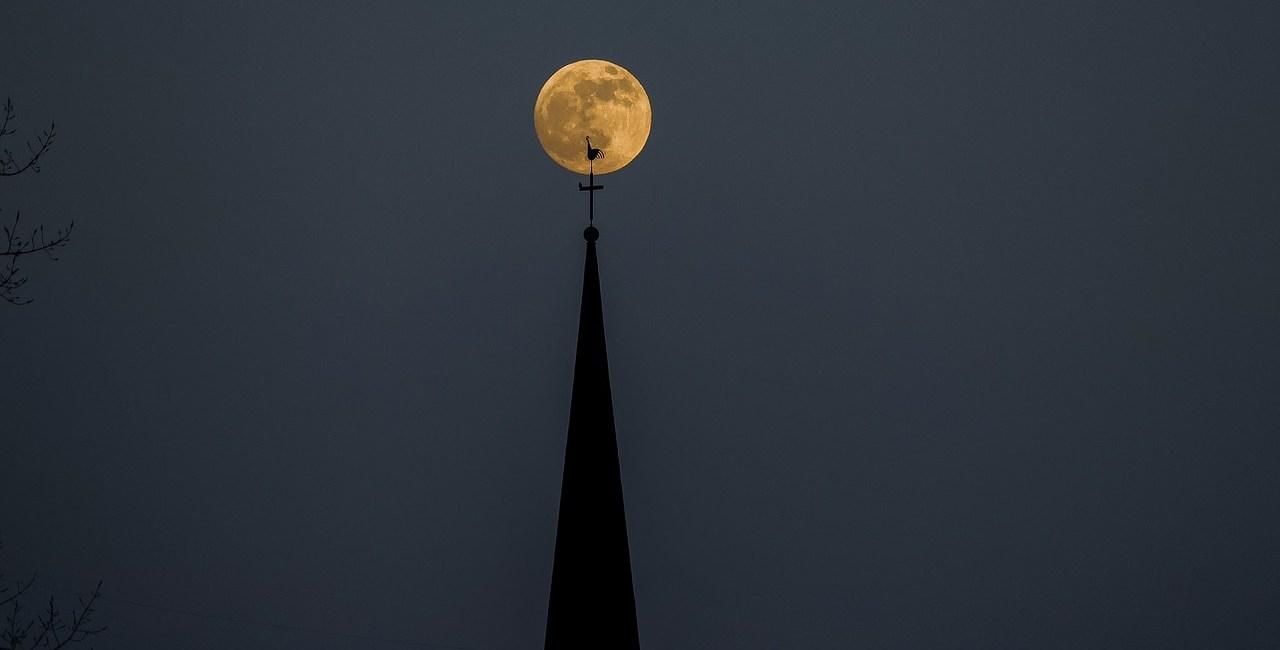 Luxembourg Moon