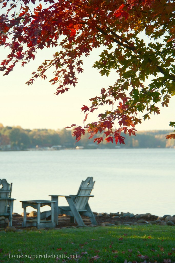 Lake Fall Foliage  | ©homeiswheretheboatis.net #fall #leaves #LKN #lake