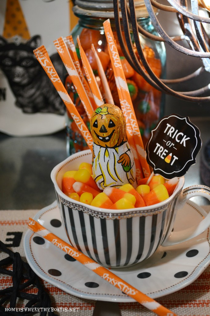 Witches Tea Party: It's All About the Treats! | ©homeiswheretheboatis.net #Halloween #PottingShed #teaparty