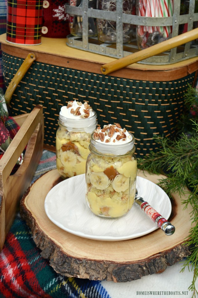 Caramel Drop Banana Bread Trifle in jars | ©homeiswheretheboatis.net #masonjars #desserts