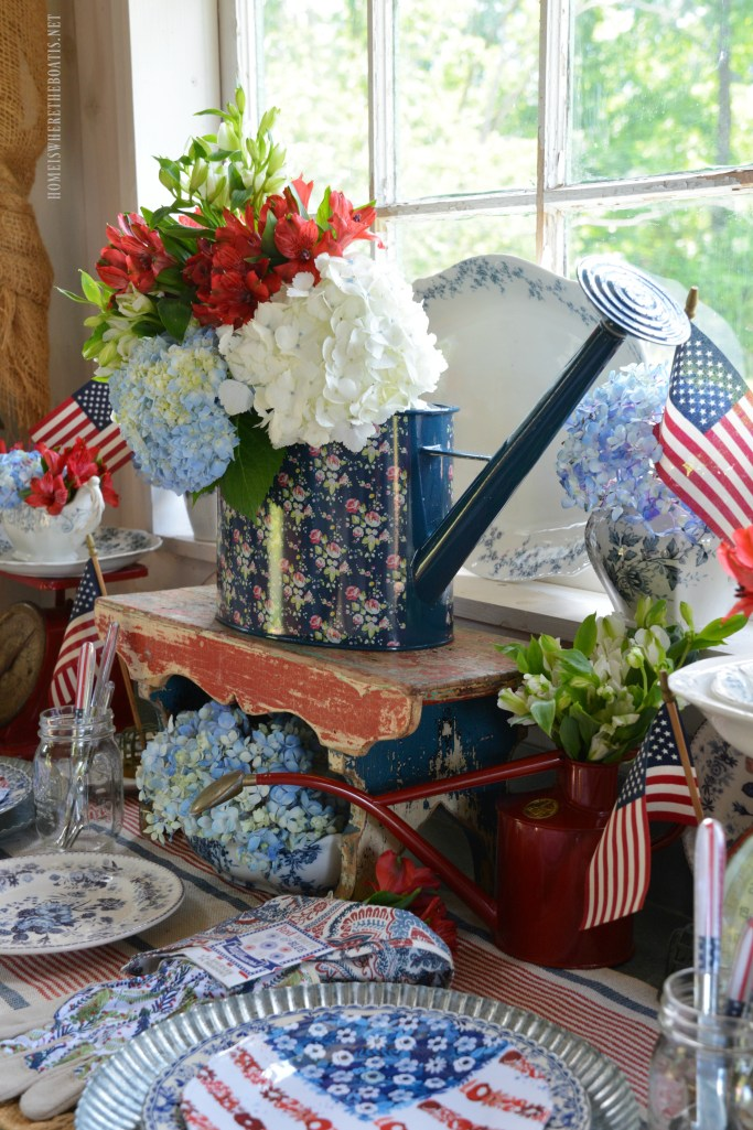Celebrating the Red, White and Bloom | ©homeiswheretheboatis.net #tablesetting #patriotic #sheshed
