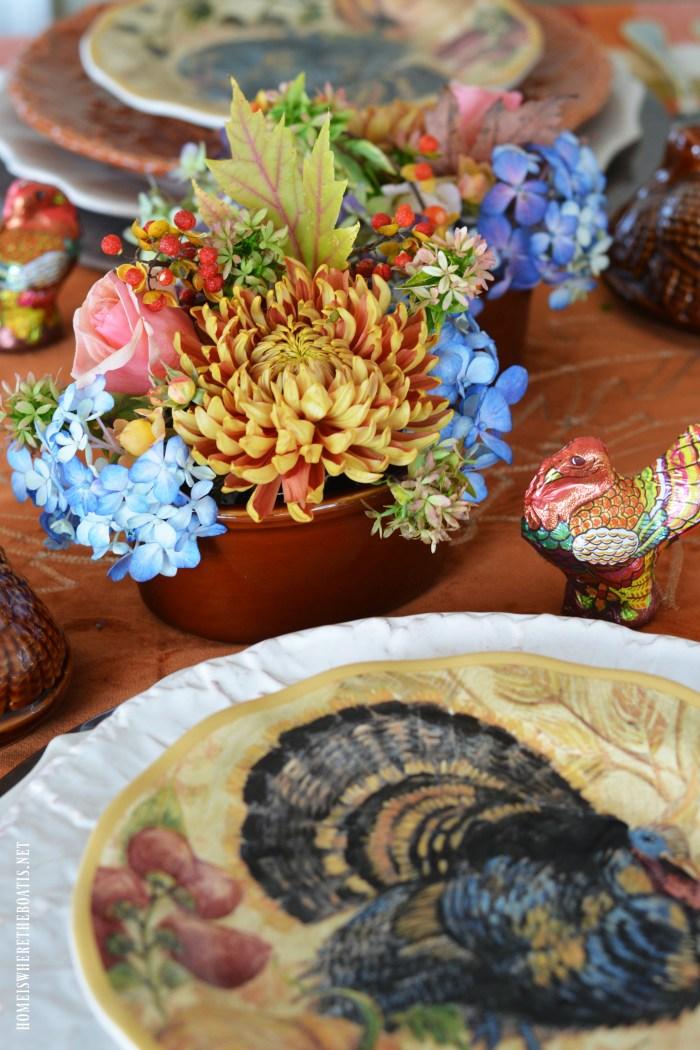 Mini Blooming Turkey Tureens for Thanksgiving   ©homeiswheretheboatis.net #Thanksgiving #tablescape #flowerarranging #DIY