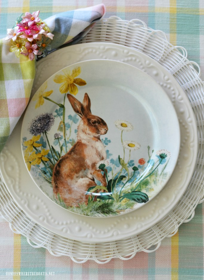 Alfresco spring table with bunnies | ©homeiswheretheboatis.net #spring #tablescape #bunnies #easter