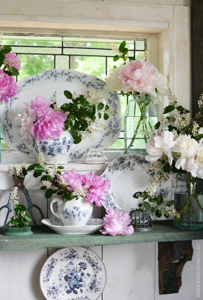 Ball Jar Bouquets and Peony Season Peony blooms are so fleeting, you have to enjoy the beauty and sweet fragrance while you can! | ©homeiswheretheboatis.net #garden #flowers #spring