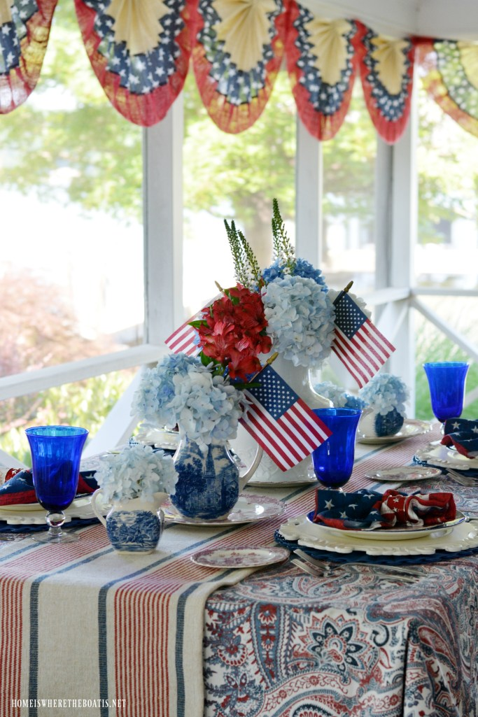 Red, White and Liberty Blue Tablescape | ©homeiswheretheboatis.net #patriotic #tablescapes #4thofjuly
