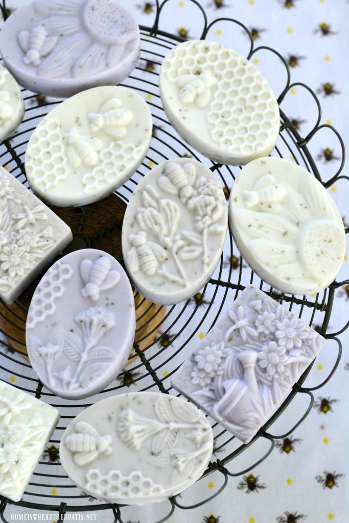 Bee-utiful DIY Lavender-Rosemary Soap | ©homeiswheretheboatis.net #bees #craft #soap #DIY