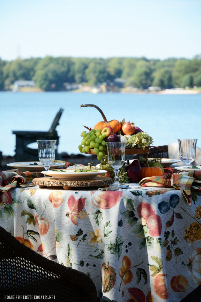 Lakeside botanical fall fruits tablescape | ©homeiswheretheboatis.net #tablescapes #fall #fruit #alfresco