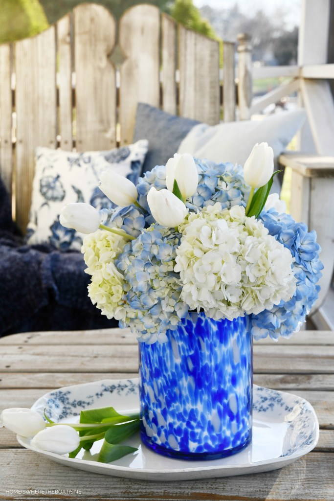 January Blues flower arrangement with hydrangeas and tulips   ©homeiswheretheboatis.net