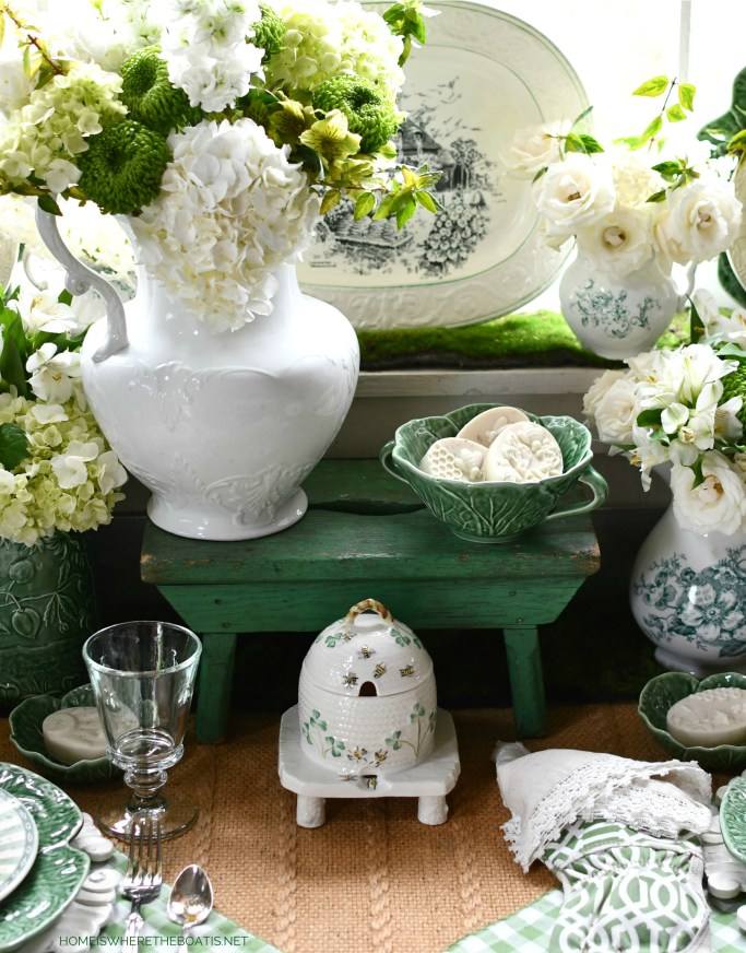 All Abuzz: Bees and Blooms in the Potting Shed | ©homeiswheretheboatis.net #flowers