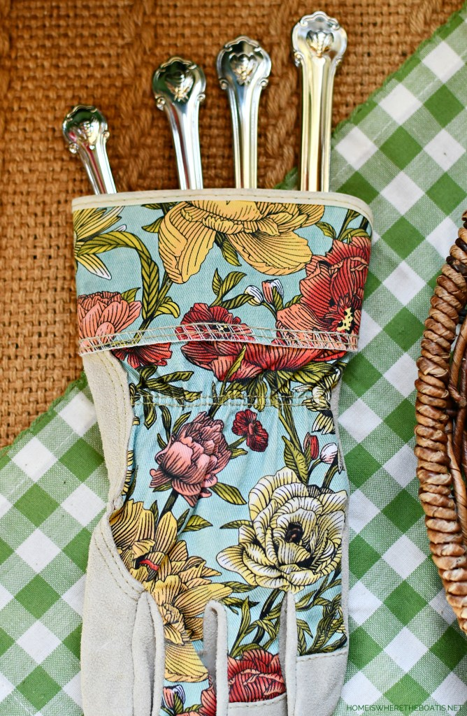 Garden gloves with flatware | ©homeiswheretheboatis.net #spring #garden #tablescapes