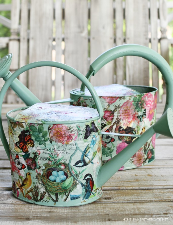 Watering can makeover with decoupage and napkins | ©homeiswheretheboatis.net #diy #craft #garden #wateringcan