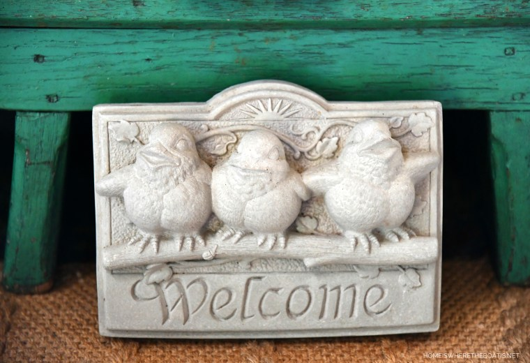 Welcome Bird Sign | ©homeiswhetheboatis.net