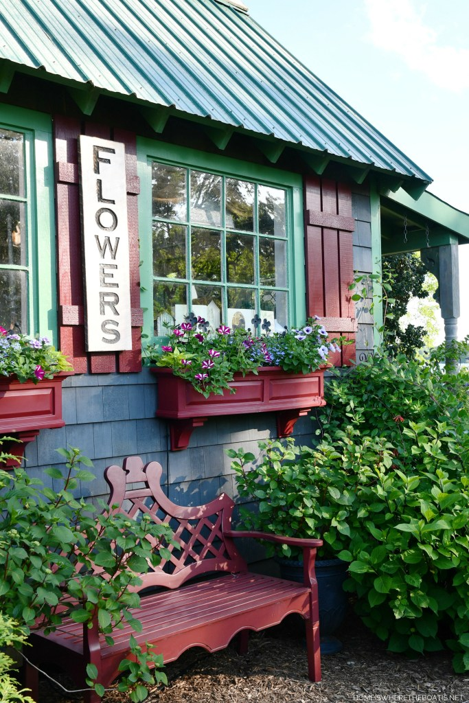 Window boxes Potting Shed | ©homeiswheretheboatis.net #garden #flowers