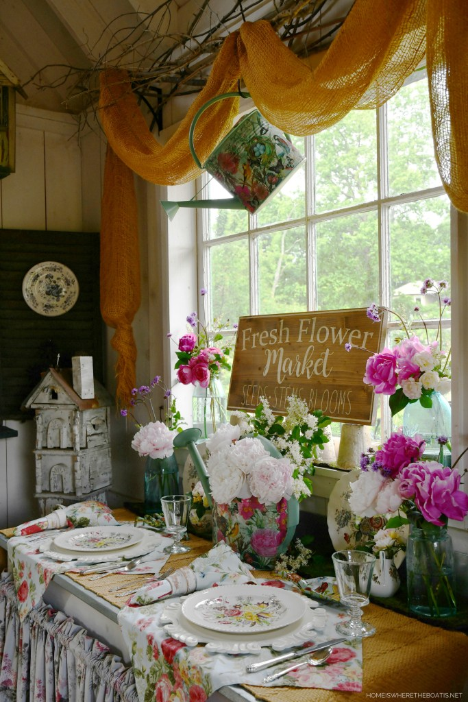 Fresh Flower Market and Peonies in the Potting Shed | ©homeiswheretheboatis.net #flowers #tablescapes