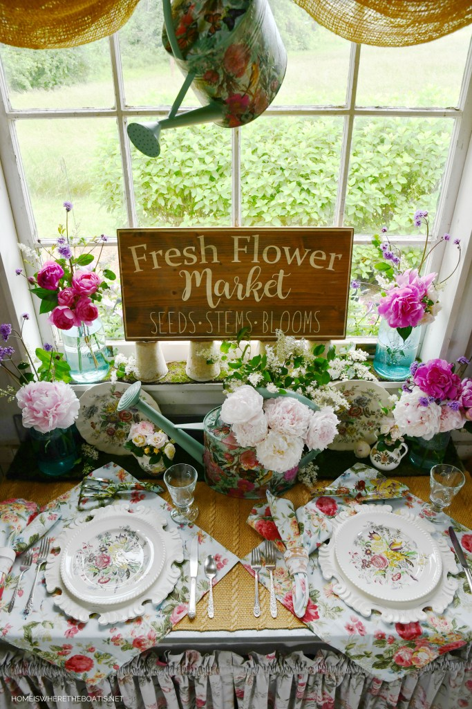 Fresh Flower Market and Peonies in the Potting Shed | ©homeiswheretheboatis.net #flowers #garden #tablescapes #peonies