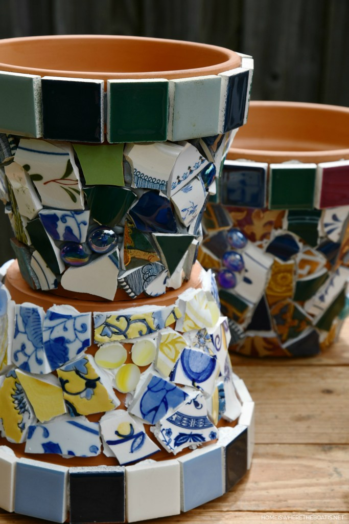 Mosaic Flower Pots ready to grout | ©homieswheretheboatis.net #flowers #garden #DIY #mosaic