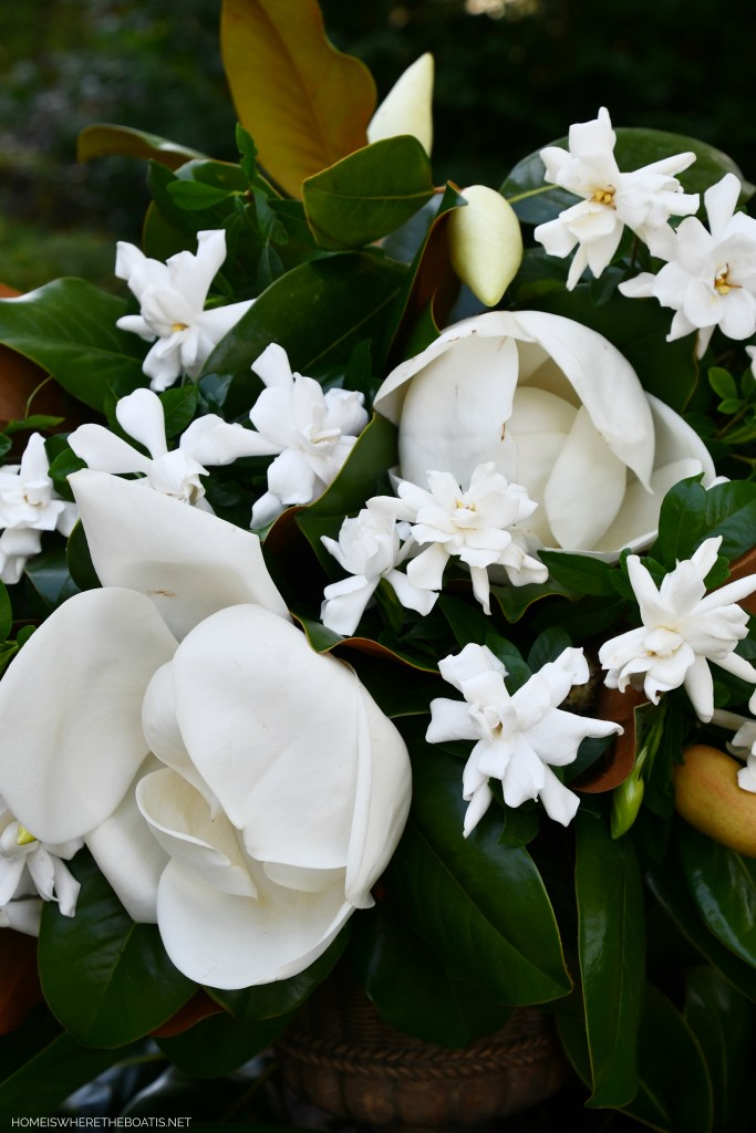 Magnolia and gardenia flower arrangement | ©homeiswheretheboatis.net #garden #flowers