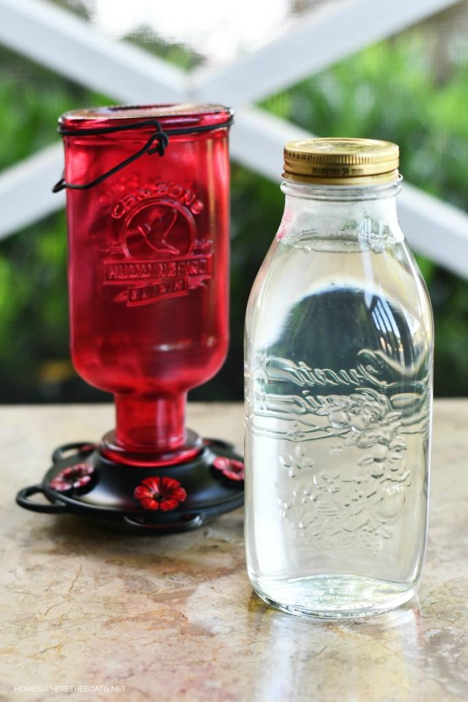 Hummingbird Nectar Recipe | ©homeiswheretheboatis.net #hummingbirds #tips #DIY
