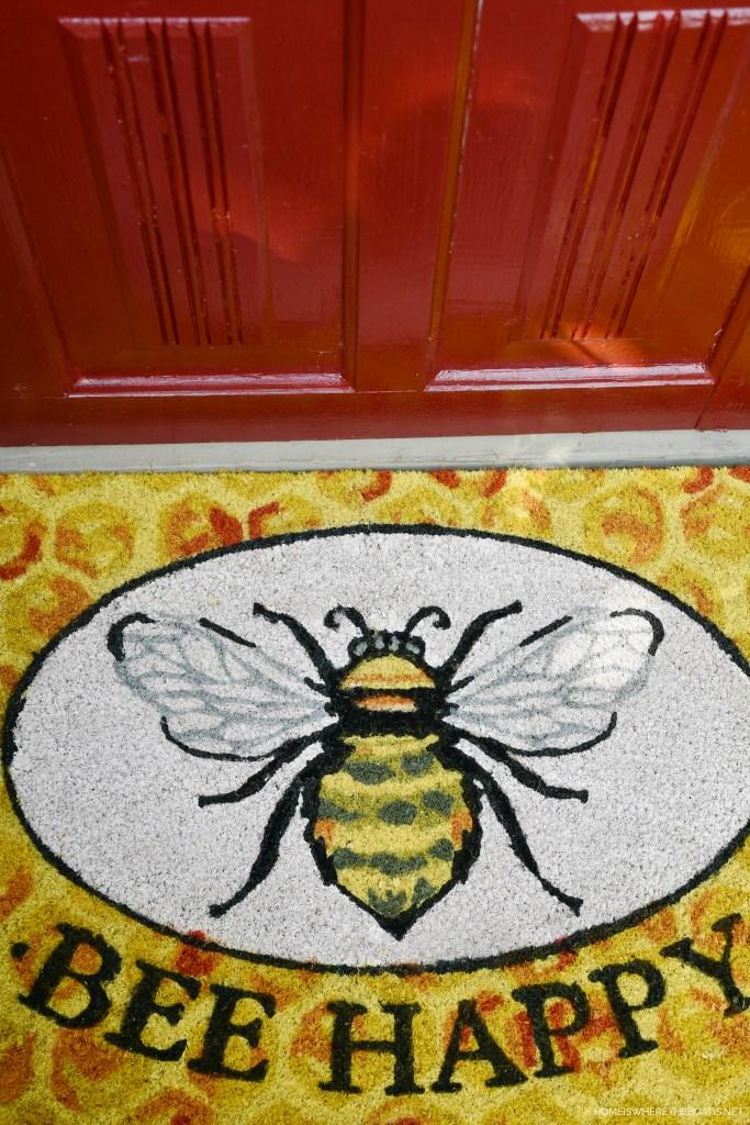 Bee Happy Doormat | ©homeiswheretheboatis.net #bees #shed