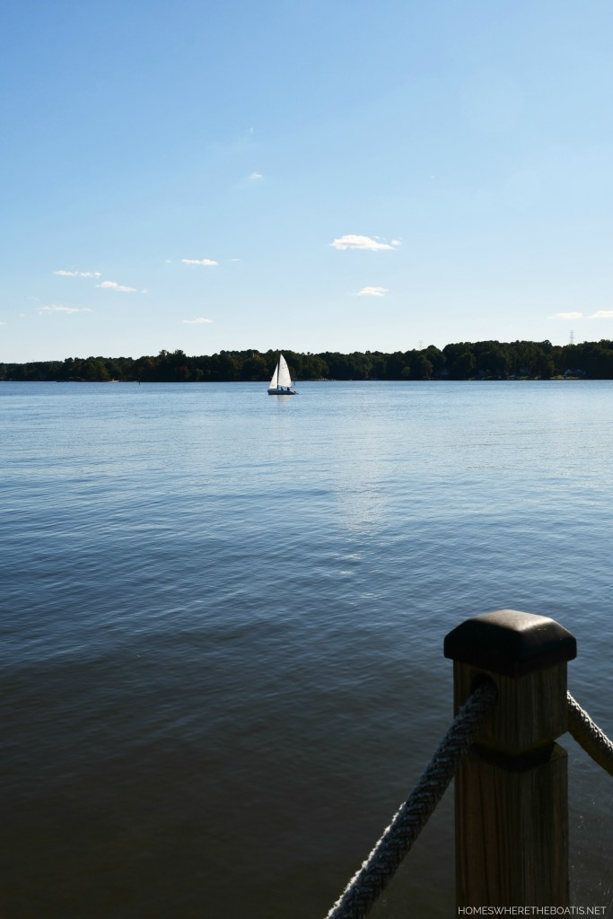 Sailboat Lake Norman | ©homeiswheretheboatis.net #lake #boating #LKN