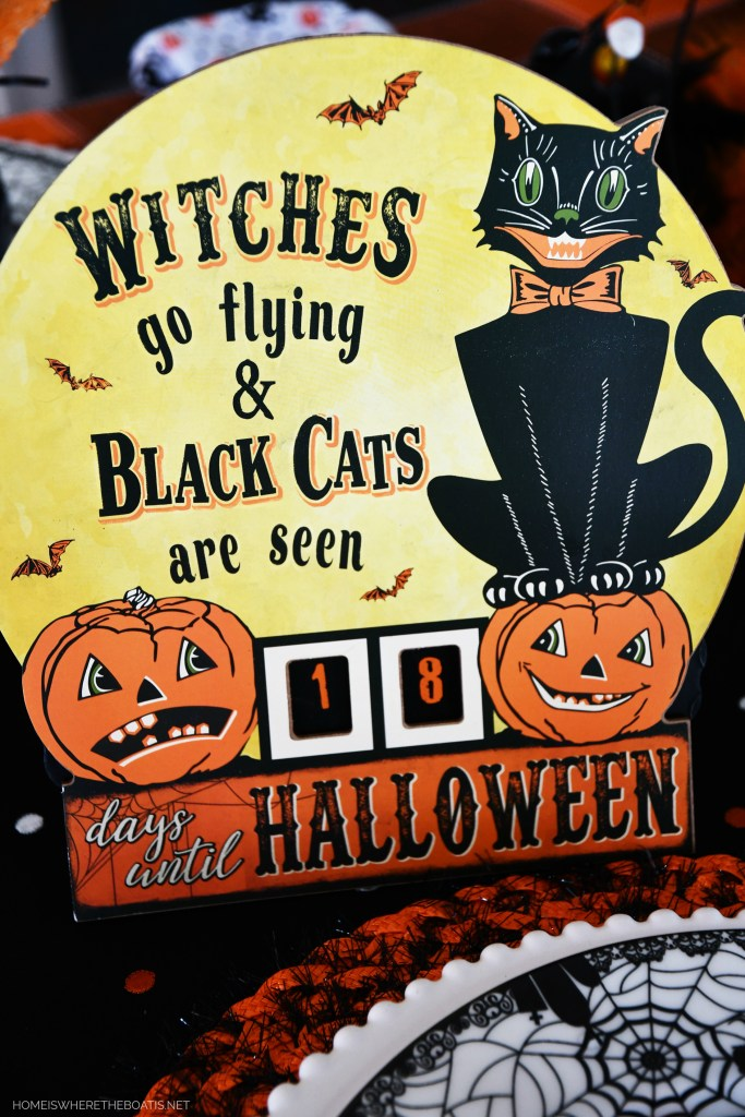 Witches go flying and black cats are seen Countdown Calendar | ©homeiswheretheboatis.net #halloween