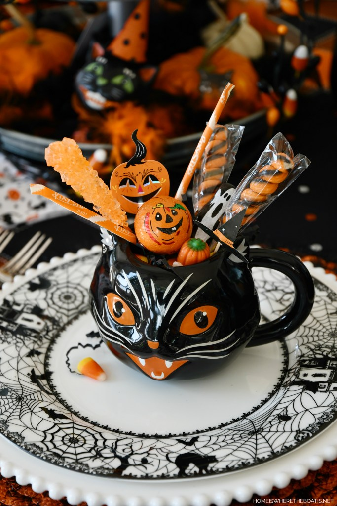 'When Black Cats Are Seen' Halloween Tablescape | ©homeiswheretheboatis.net #halloween #tablescapes