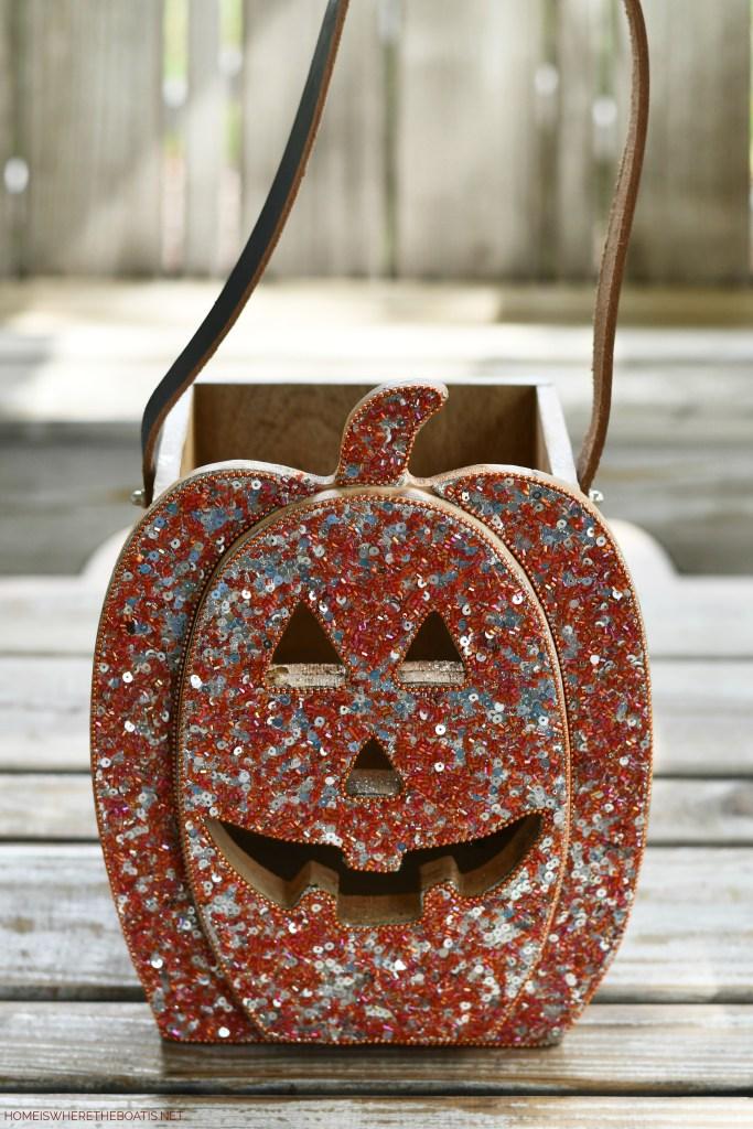 Sequin jack-o'-lantern box | ©homeiswheretheboatis.net #halloween #tablescape
