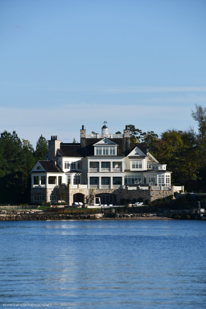 Beautiful home on Lake Norman | ©homeiswheretheboatis.net #LKN