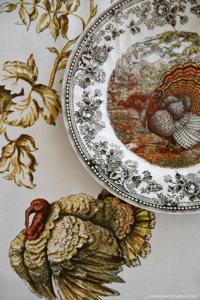 Queen's Majestic Beauty Thanksgiving Turkey Plate | ©homeiswheretheboatis.net #thanksgiving