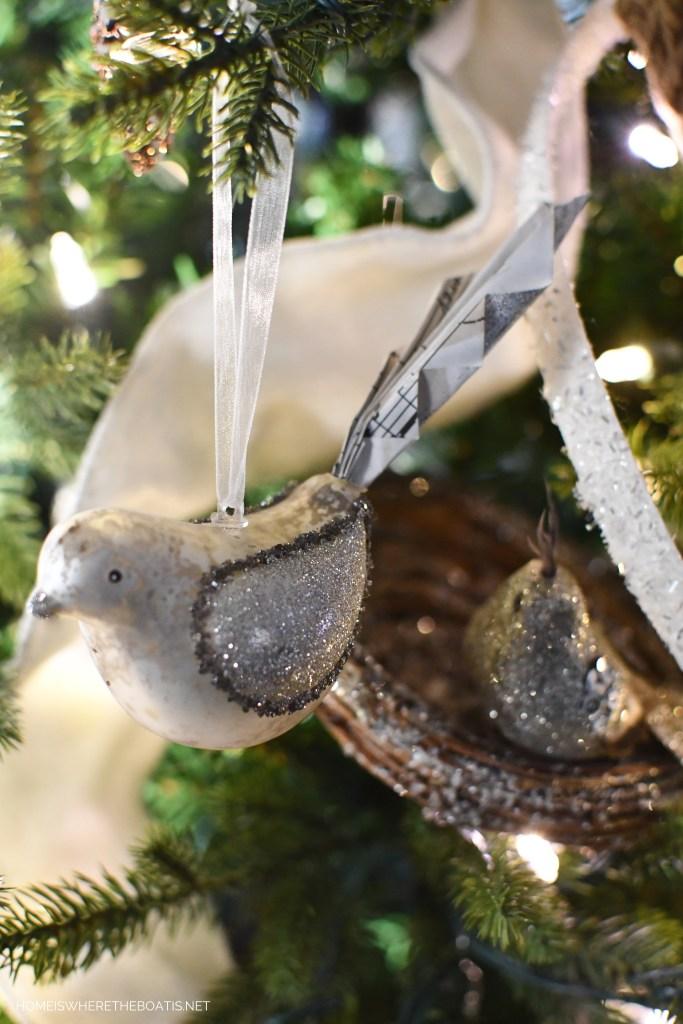 Bird ornament Winter Nesting Tree | ©homeiswheretheboatis.net #winter #tree #birds #christmastree