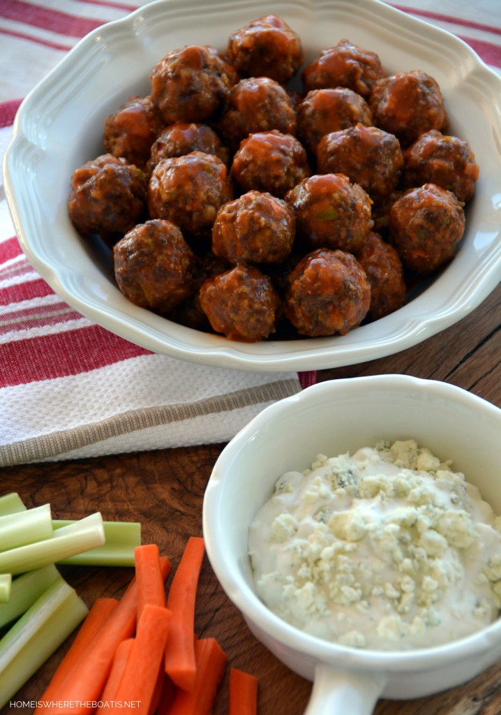 Touchdown Buffalo Meatballs! A make-ahead recipe to kick off your line up of game day or Super Bowl party snacks! | ©homeiswheretheboatis.net #makeaheadrecipe #buffalomeatballs #footballfood #Superbowlfood