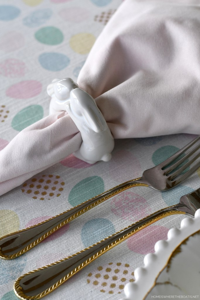 Bunny napkin rings and Easter tablescape | ©homeiswheretheboatis.net #easter #tablescapes #bunny