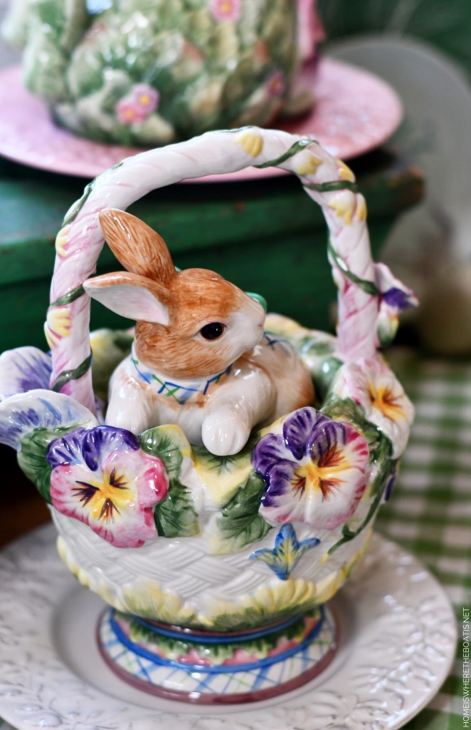 Fitz and Floyd bunny teapot | ©homeiswheretheboatis.net #spring #easter #tablescape #rabbits