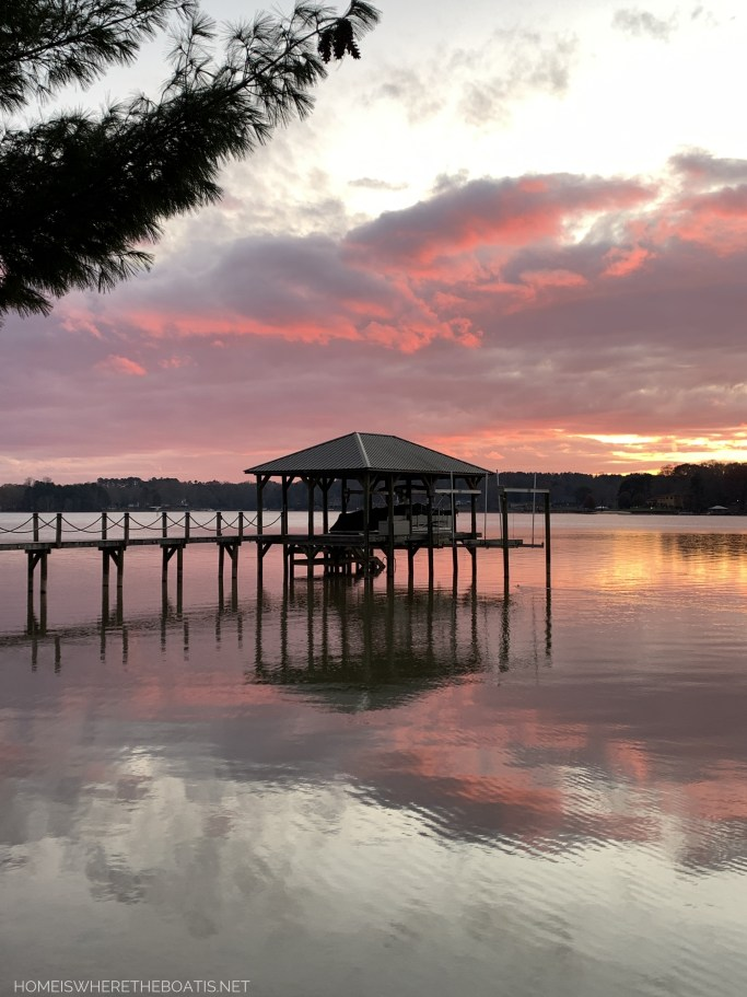 Weekend Waterview sunset Lake Norman | ©homeiswheretheboatis.net