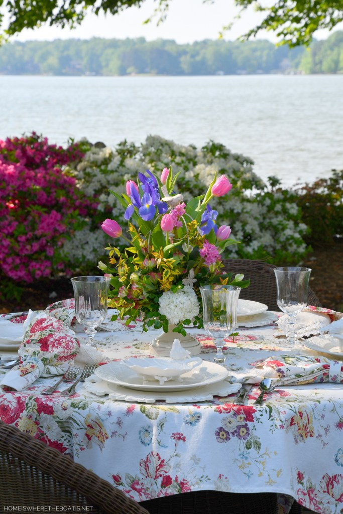 How to Make a Flower Arrangement Using A Decorative Bird Cage | ©homeiswheretheboatis.net #spring #flowers #diy #tablescape #alfresco
