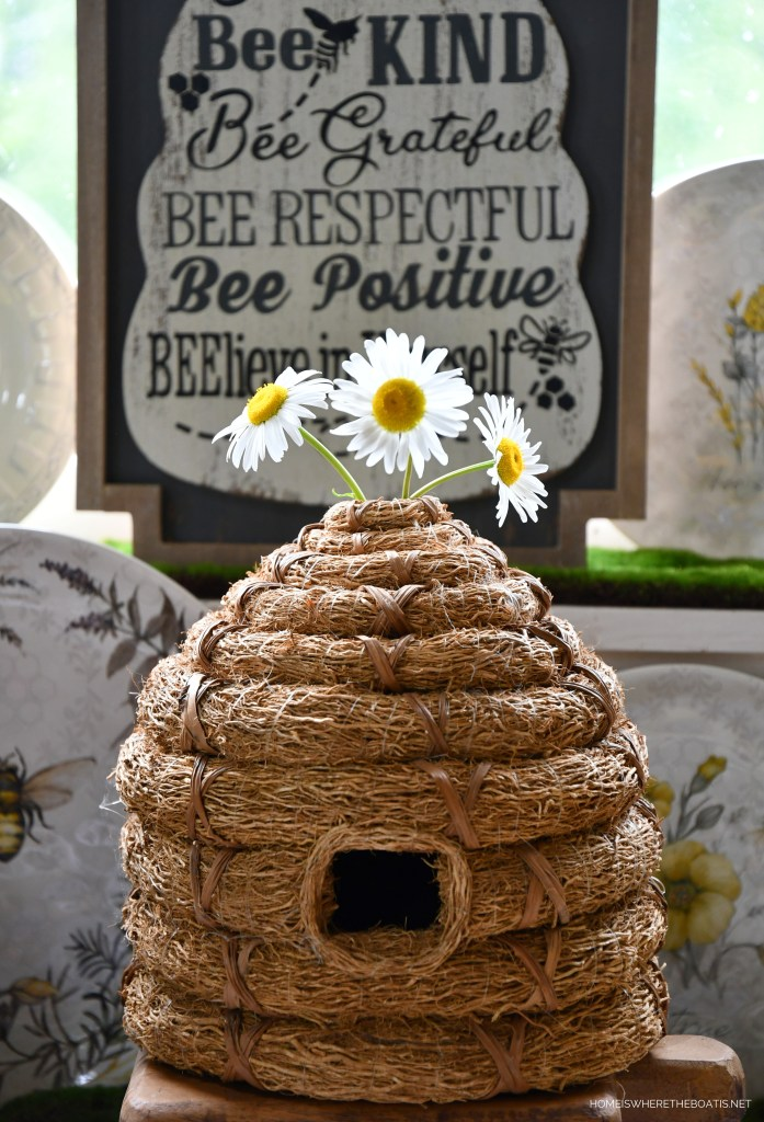 Hive Rules in the Potting Shed | ©homeiswheretheboatis.net #bees #tablescapes