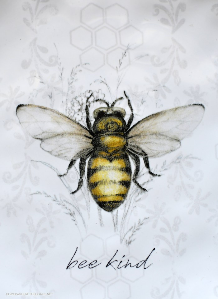 Bee Kind | ©homeiswheretheboatis.net #bees #tablescapes