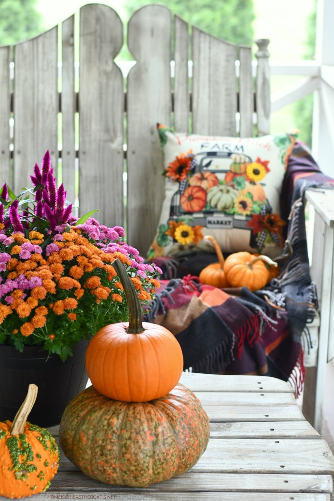 Hello Fall: DIY Quick and Easy Embellished Pumpkin Patch Farm Pillow Cover | ©homeiswheretheboatis.net #fall #craft #DIY #pillow