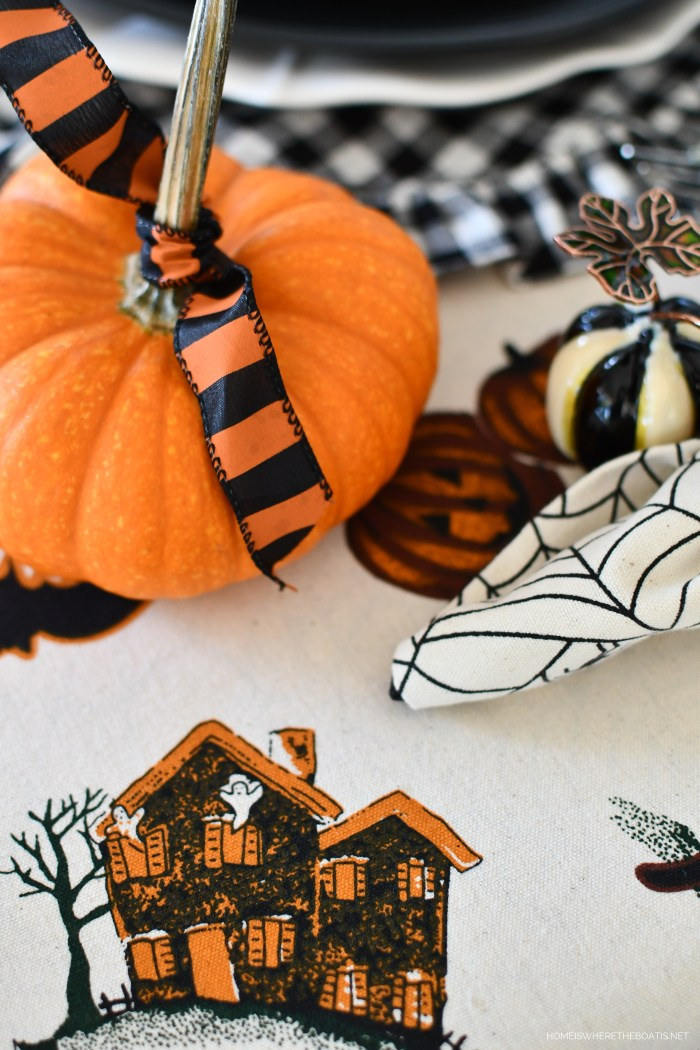 A Happy Haunting Tablescape | ©homeiswheretheboatis.net #halloween #tablescape