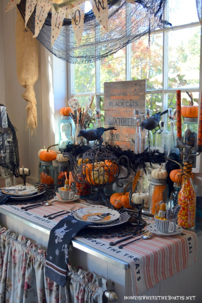 Witches Tea Party: It's All About theTreats! | ©homeiswheretheboatis.net #halloween #tablescape