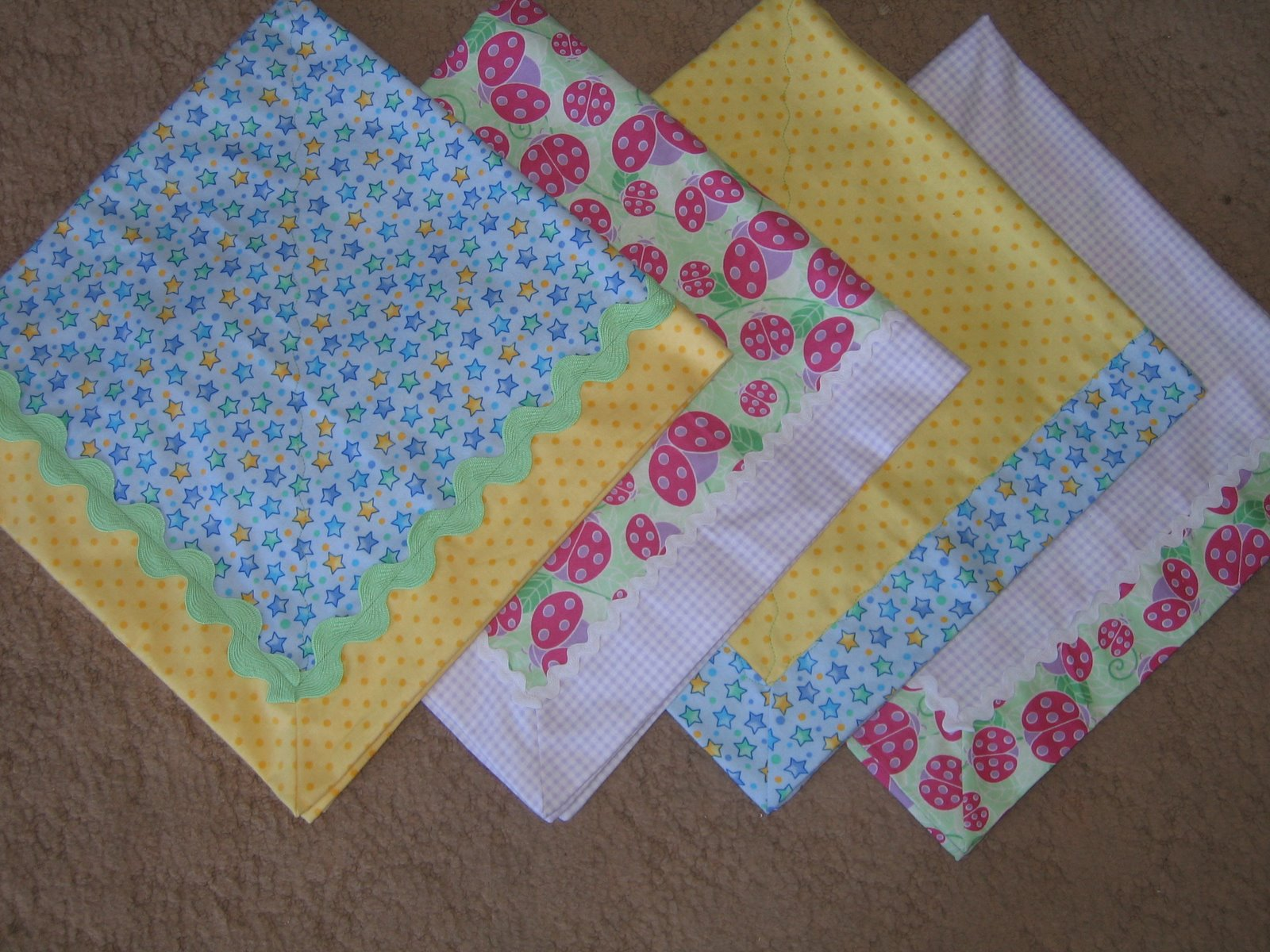 Cute Self Binding Blankets Tutorials and Inspiration
