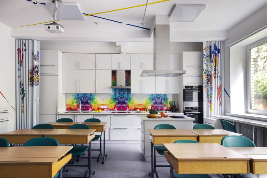 The Coolest School Laboratory Interior We've Ever Seen Home