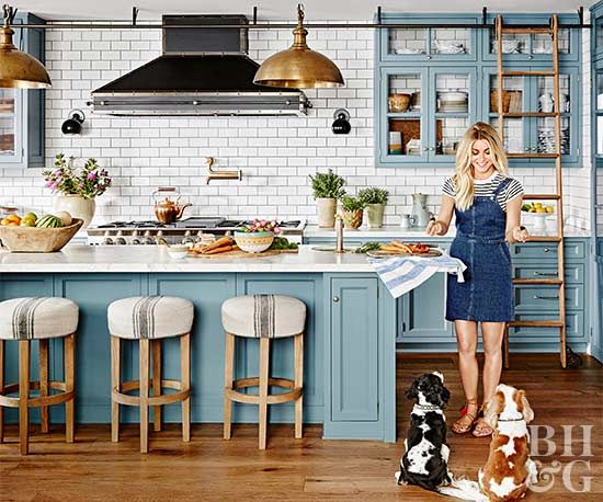 Celebrity Home Tours: Julianne Hough