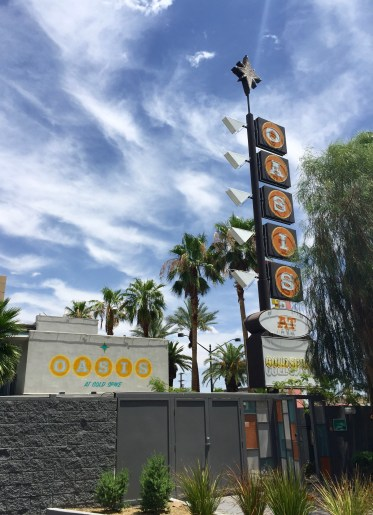 Entrance sign Oasis at Gold Spike