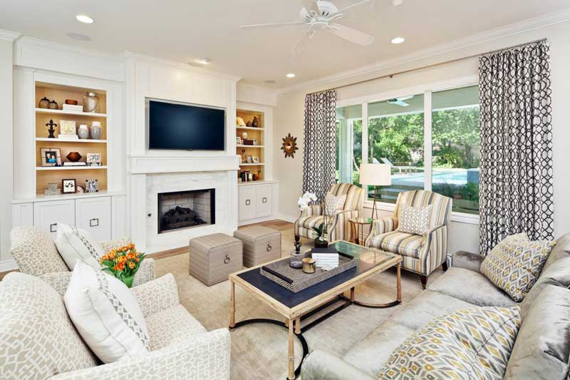 Chic Transitional Living Room Design