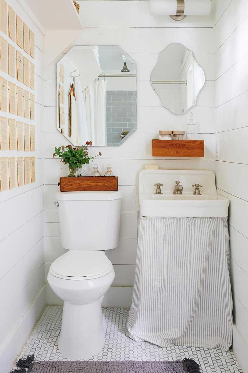 Book Page Bathroom Wall Decor Ideas