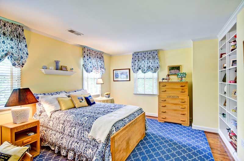 Country Teenage Girl Bedroom