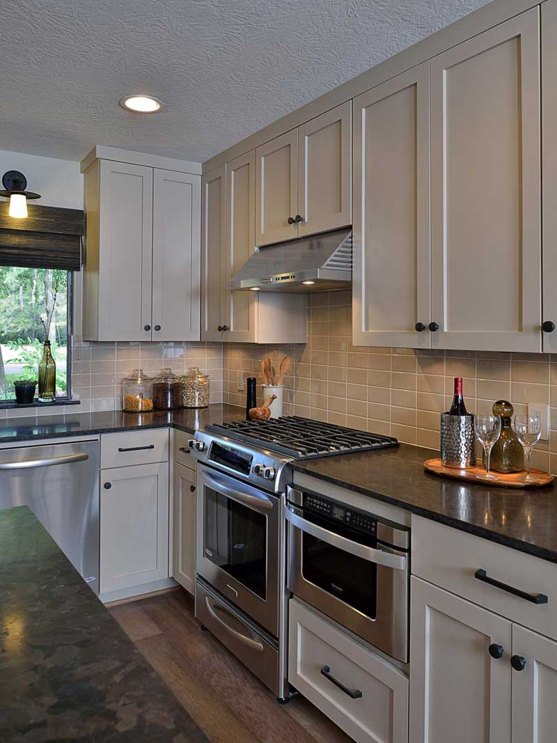 43 Kitchen Countertops Design Ideas (Granite, Marble ... on Backsplash For Dark Granite Countertops  id=90684