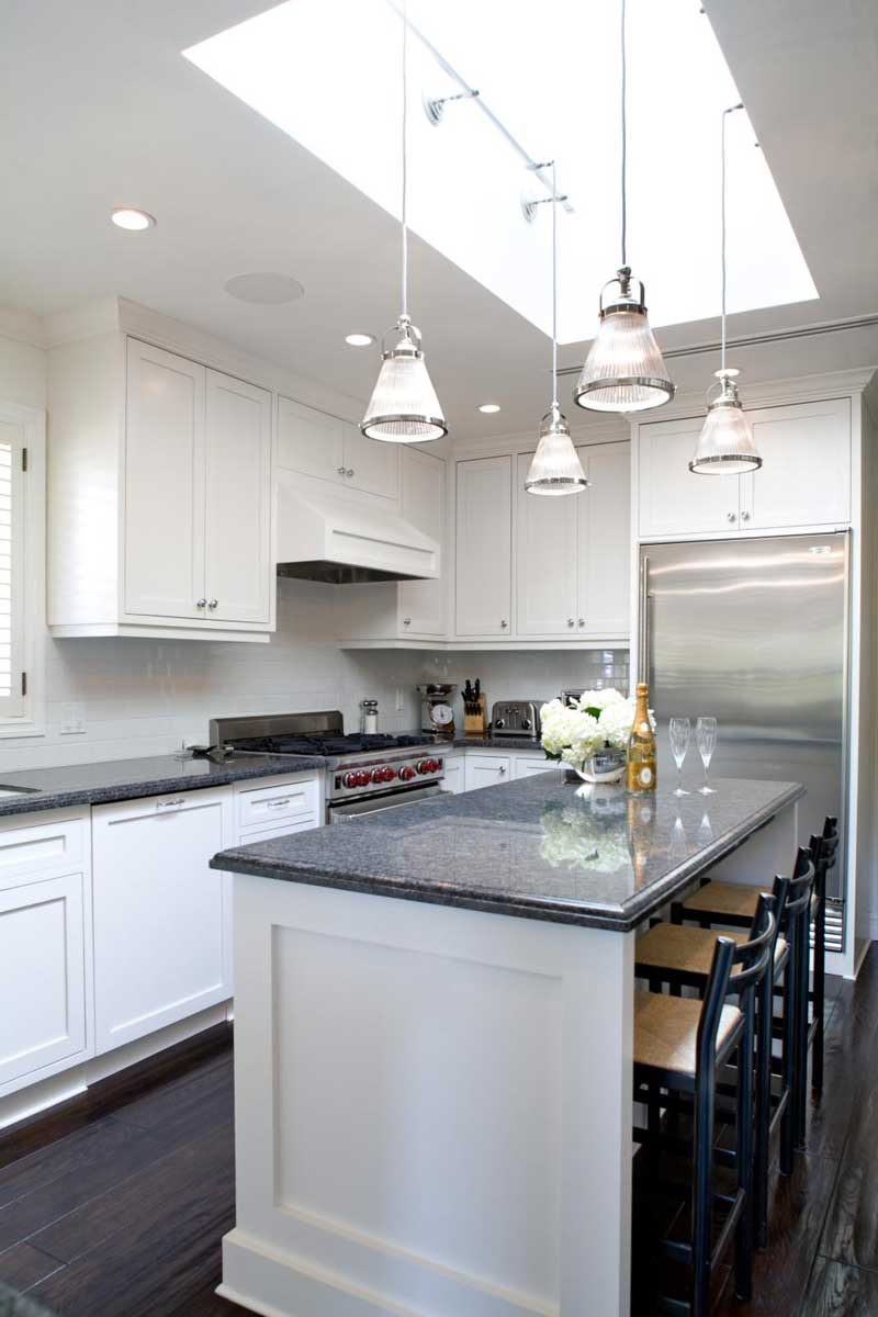 Kitchen Island With Gray Granite Countertops