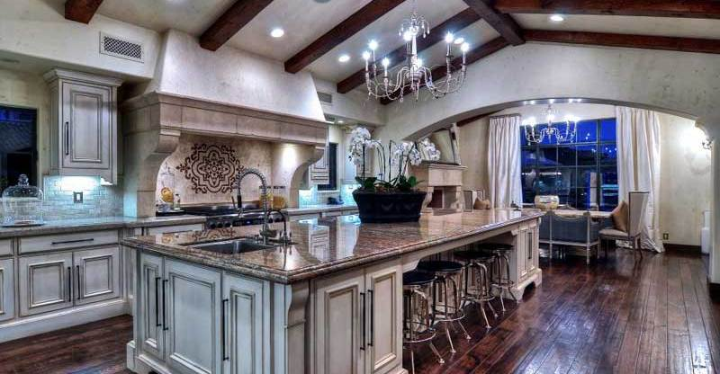 Luxurious Kitchen Island